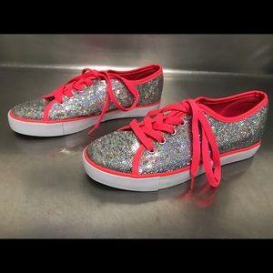 Gotta Flurt Silver Sequined Dance Sneaker Size 3